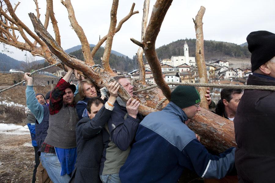 Trentino, Grauno, il carnevale del Pino